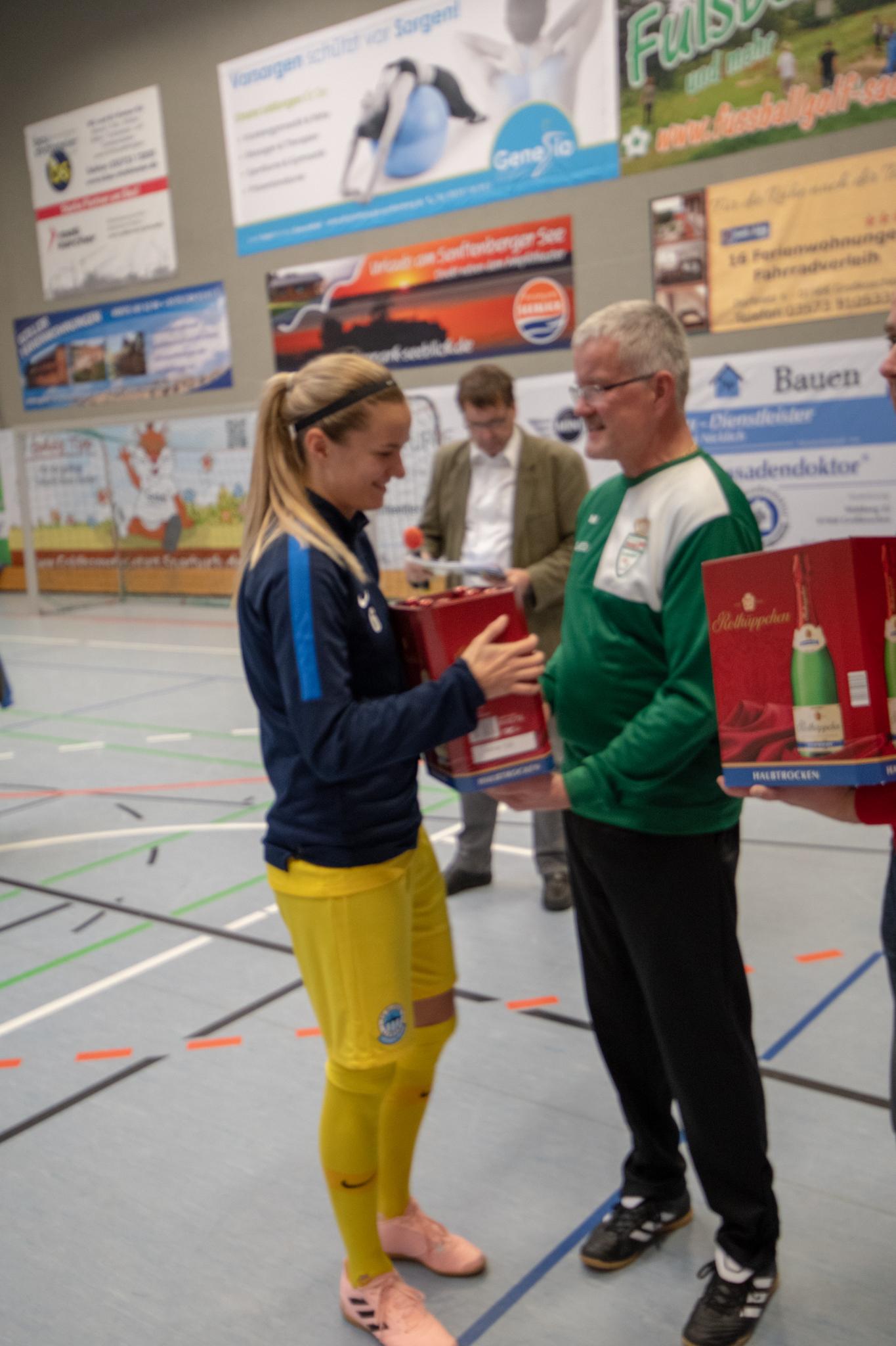 20190113  IDX7046, Frauenfußball, Großkoschen, Seesporthalle, Soccergolf Sachsen, Turnier